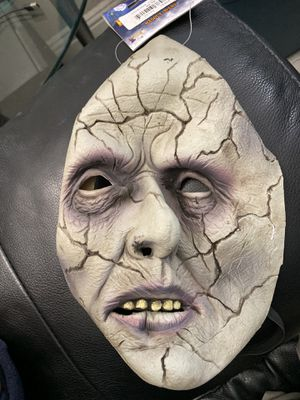 New Adult Size Cracked Zombie Halloween Mask! for Sale in Pittsburg, CA