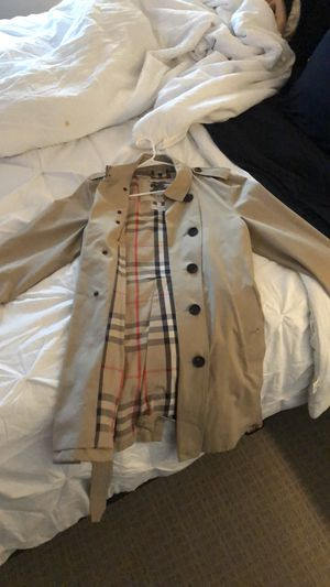 Burberry trench coat for Sale in Dallas, TX
