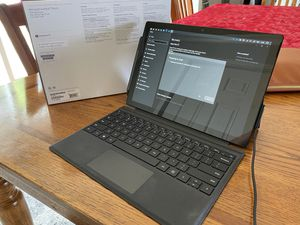 Surface Pro 6 i5 256GB 8GB RAM + Surface Pen for Sale in Mechanicsburg, PA