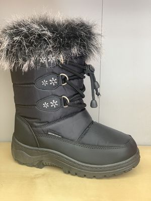 Snow boots for kids girls size 2,3 4 kids sizes for Sale in Bell, CA
