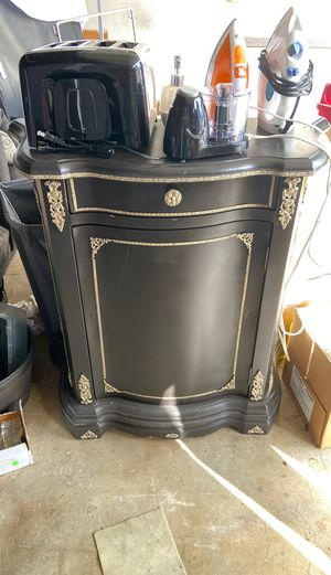 Console table for Sale in Garden Grove, CA