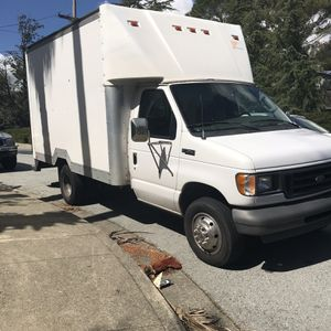 Diesel E-350 Box Truck for Sale in San Martin, CA