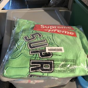 Supreme Kanji Crewneck ! for Sale in Chicago, IL