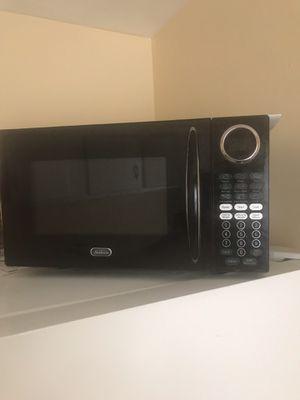 Sunbeam black microwave for Sale in Washington, DC