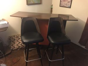 Portable bar with 2 bar chairs for Sale in Pittsburgh, PA