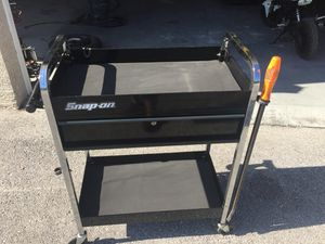 Snapon tool cart snap on black with keys and drawer liners for Sale in Brooksville, FL
