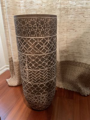 Plant pot for Sale in Los Angeles, CA