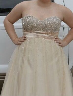 Beautiful prom/special occasion dress for Sale in Raleigh, NC