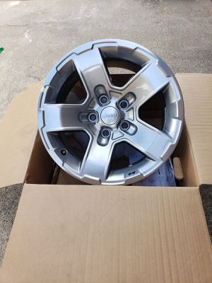 SET OF 5 JEEP RUBIC0N WHEELS for Sale in Irving, TX