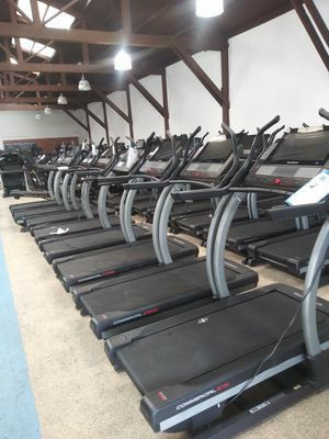 NEW - Never Use NordicTrack X22i incline trainer treadmill for Sale in Los Angeles, CA