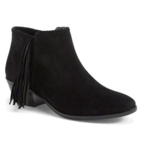 Sam Edelman Paige Fringe Ankle Booties 7.5WIDE for Sale in Sacramento, CA