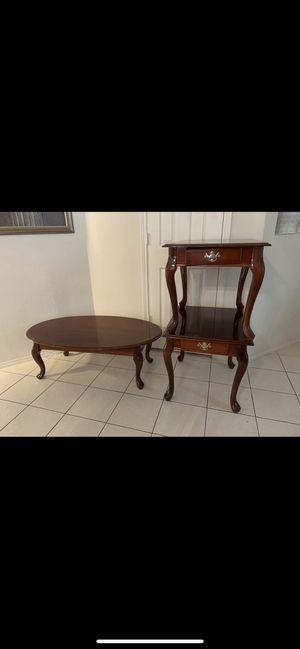 2 end tables and 1 coffee table for Sale in Irving, TX