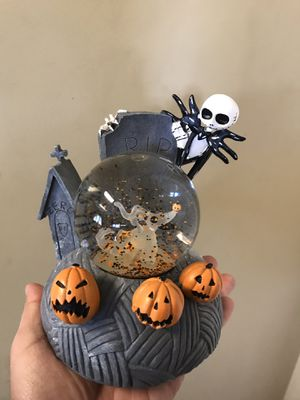 Wind up music globe Halloween decoration for Sale in Sierra Madre, CA