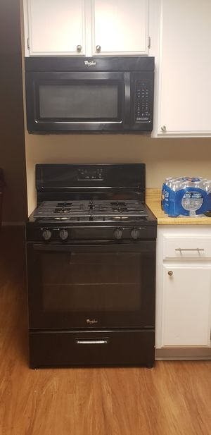 Whirpool gas oven and range top, microwave and dishwasher...Oh my! for Sale in GLMN HOT SPGS, CA