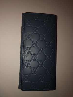 Gucci wallet for Sale in Bristol, CT