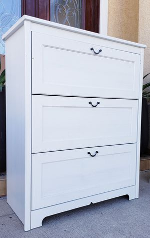Beautiful IKEA White LARGE 4 Drawer Dresser Chest Clothes Storage Organizer Unit Stand for Sale in Monterey Park, CA