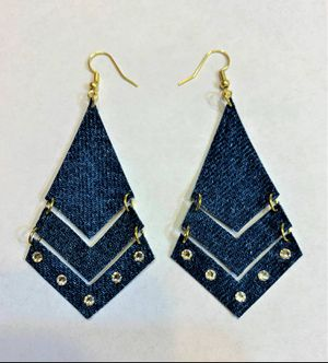 Broken Arrow Dangle Denim Earring with Swavorski crystals Large size for Sale in Peoria, IL