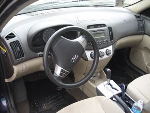 07 Hyundai Elantra - PARTS for Sale in Tampa, FL