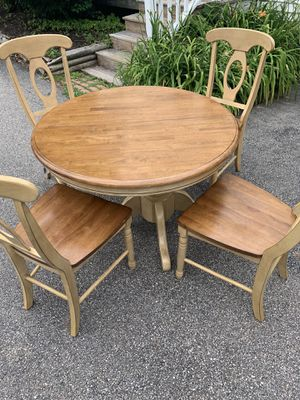 Great condition 4 person dining table with stand for Sale in Saco, ME