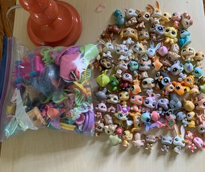 Littlest Pet Shop Lot And Accessories for Sale in Meridian charter Township, MI