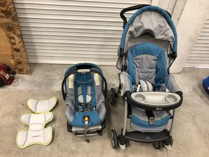Chicco car seat with base & infant inserts and Chicco stroller set for Sale in Davie, FL