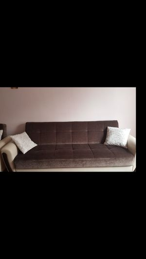 Pull out COUCH Plus love seat for Sale in Queens, NY