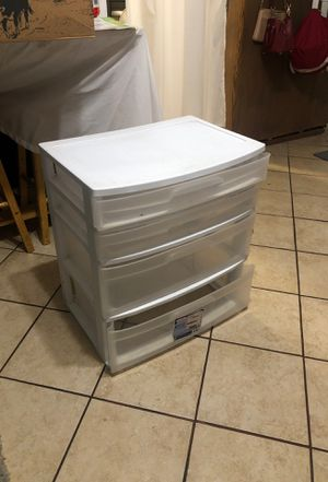 Plastic drawers 15x21x25 for Sale in Whittier, CA