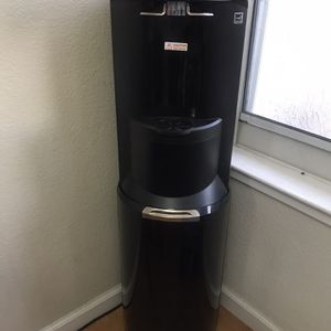 Bottom Loading Hot/Cold water Cooler for Sale in Hayward, CA