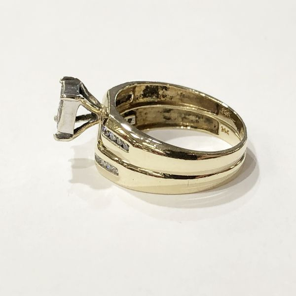 14K Yellow Gold Woman's Wedding Set Size: 7.5 with approx. 0.65 cttw Diamonds **Great Buy** 10012689-1