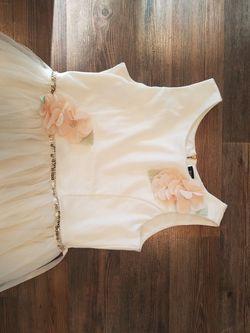 Girls White and Flower Dress for Sale in Ridgefield,  WA