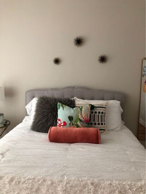 Tufted Wayfair Headboard for Sale in Nashville, TN