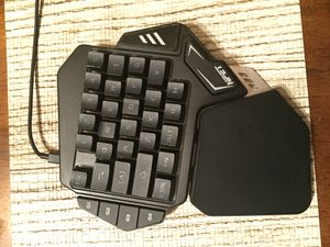 One-handed gaming keyboard for Sale in MINEHAHA SPGS, WV