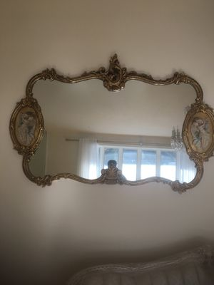 Breathtaking antique mirror very detailed made in Italy for Sale in Tewksbury, MA