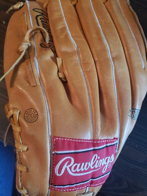 Rawlings women's softball glove for Sale in Derby, CT