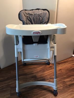 High chair for Sale in Kirkland, WA
