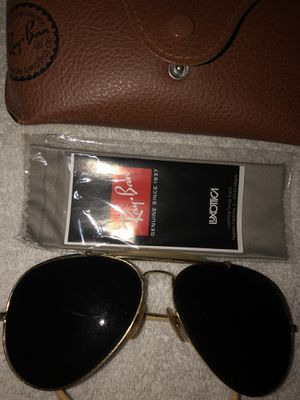 RayBan aviator sunglasses for Sale in Round Hill, VA
