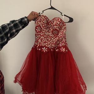 Never Worn! Beautiful homecoming/prom dress!! for Sale in West Bloomfield Township, MI