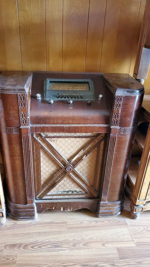 Antique Radio for Repair or Deco for Sale in Richardson, TX
