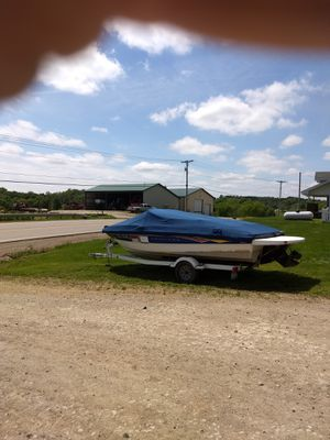 2007 Bayliner 18ft with 135 Merc I/O. Fully equipped and trailer. for Sale in Pleasant City, OH