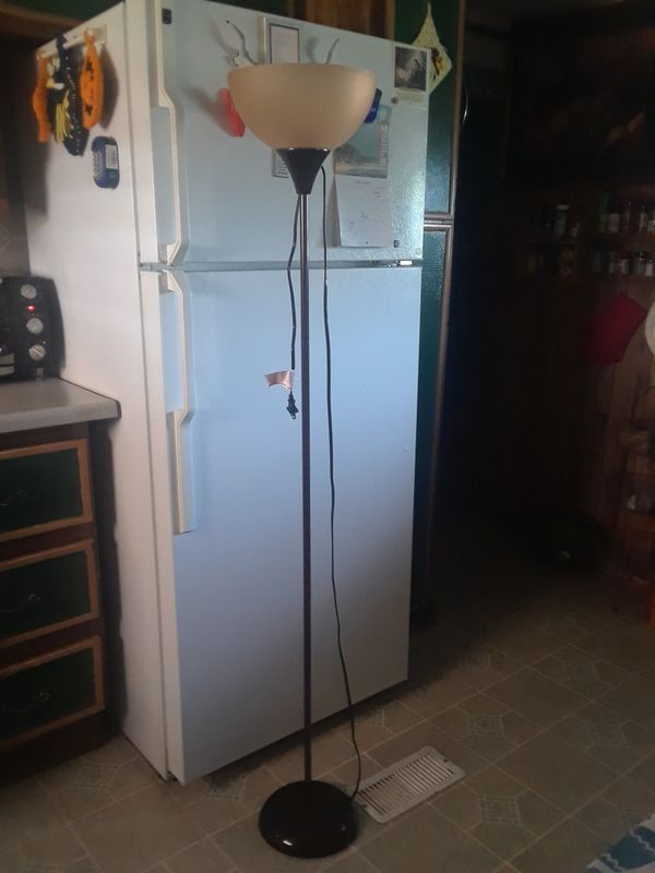 Floor Lamp in good condition 10. ( 5ft. )