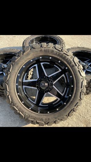 Like New 20x12 XM Off Road Rims and 33x12.50r20 Tires with 90% Tread 6 Lug Universal Bolt pattern will Fit Ford F150 , Chevy Silverado, GMC Sierra , for Sale in Dallas, TX
