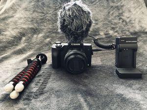 Canon M50 vlog kit for Sale in Cedar Hill, TX