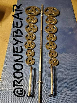 135LBS STANDARD WEIGHT SET for Sale in Riverside, CA