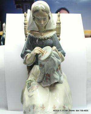 Lladro #4865 Insular Embroideress Figurine Signed By Artist Rare for Sale in Margate, FL