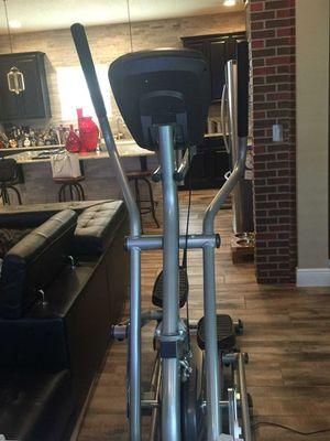 Spirit xg400 elliptical machine for Sale in Clermont, FL