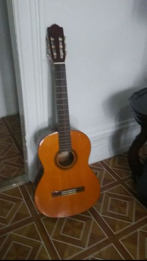 Yamaha Guitar CG-101 AND A GUITAR RESEARCH CASE for Sale in The Bronx, NY