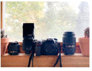 Nikon D7100 with 2 lenses and one speed flash 910 for Sale in Stockton, CA