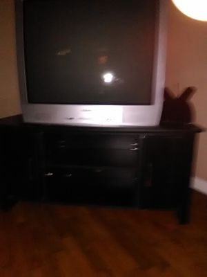 TV and TV stand. Ten for tv/ ten for stand. Or $15 for both for Sale in Parsons, KS