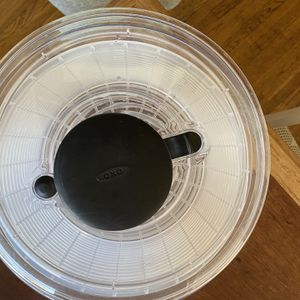 OXO Salad Spinner(Large) for Sale in View Park-Windsor Hills, CA