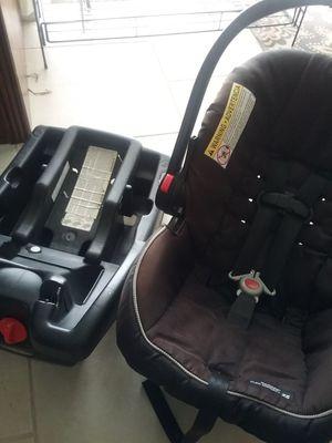 Child car seat for Sale in Flagler Beach, FL